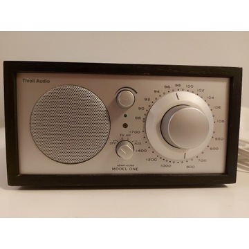 Radio tivoli audio model one