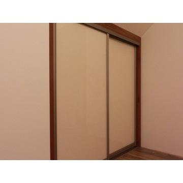Drzwi przesuwne do szafy na wymiar, zabudowa wnęki