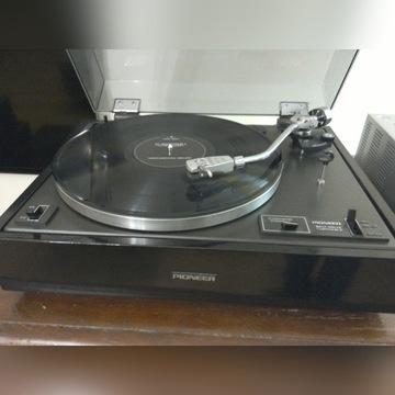 Gramofon Pioneer 12D