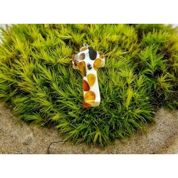 Zawieszka bursztyn szlifowany krzyż wisiorek amber