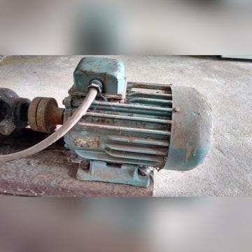 Silnik elektryczny oraz pompa wody