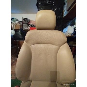 Fotele przednie Lexus Is