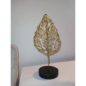 Złoty liść.