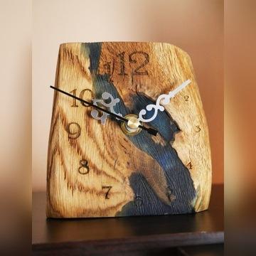 zegar drewniany z żywicą