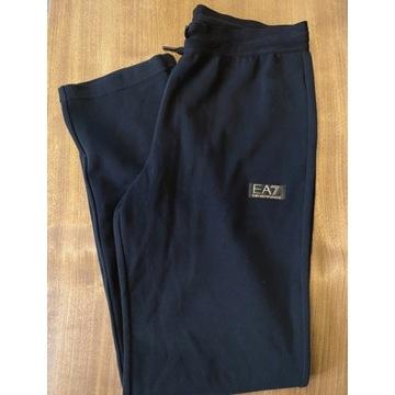 Spodnie dresowe Emporio Armani - rozmiar M / L EA7