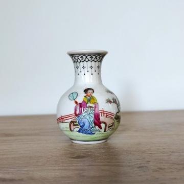 Mały wazonik porcelanowy Japonia