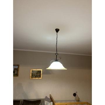 Elegancka lampa do salonu czarna mleczne szkło