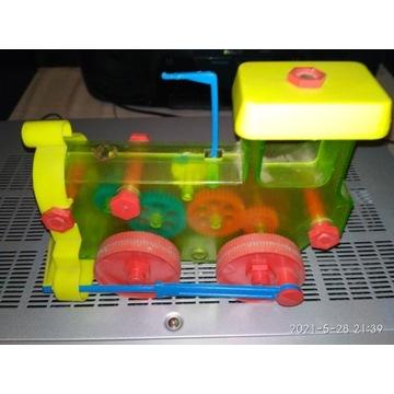 Zabawka dla dzieci lokomotywa samodzielnegomontażu