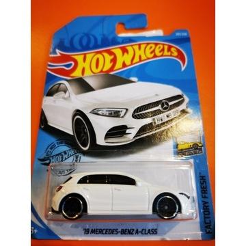 Hot Wheels 19 Mercedes Benz A-class