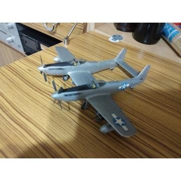 Sklejony model samolotu-Mustang (podwójny kadłub).