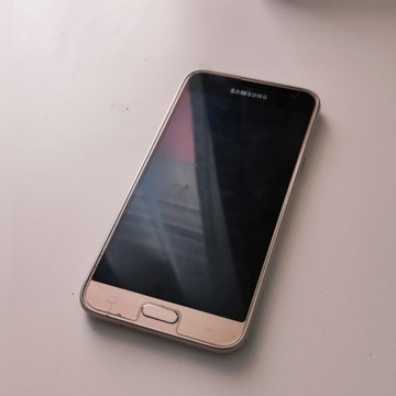 Smartfon Samsung Galaxy J3 2016 1,5/8 GB