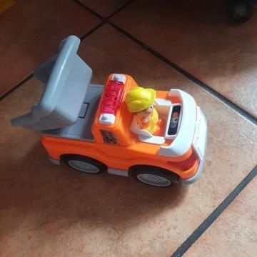 Zabawka dla dziecka, samochodzik, wydaje dźwięki