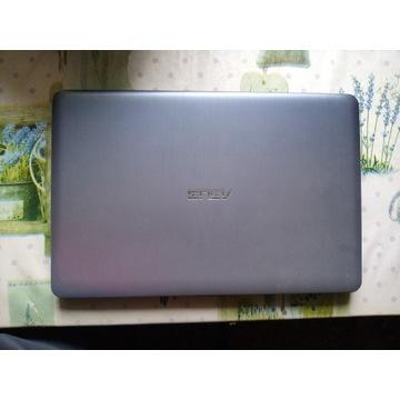 Laptop Asus w Bardzo Dobrym Stanie.
