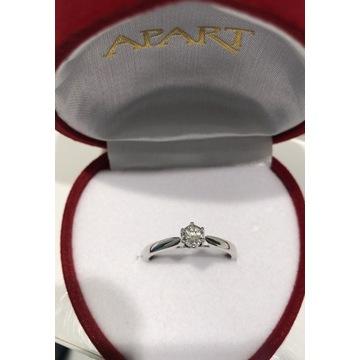 Pierścionek zaręczynowy z diamentem. 109.461