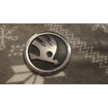 znaczek emblemat logo 5J0853621A SKODA tył 80mm