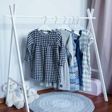 Zestaw nowych ubrań dziecięcych swetry bluzki hurt