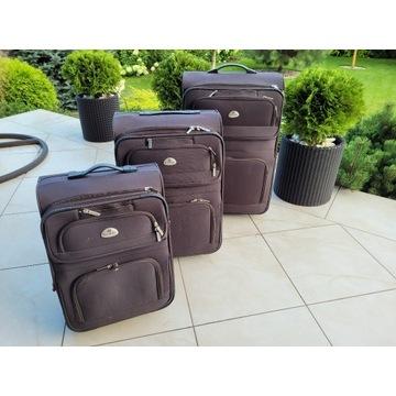Komplet walizek turystycznych.