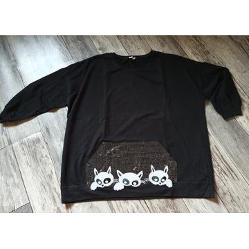 Bluza typu kangurka z aplikacją kotków kangurka