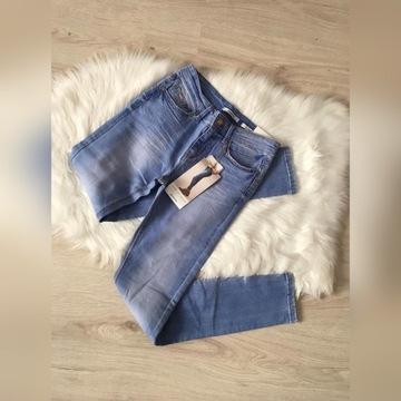 nowe spodnie stradivarius wysoki stan jeans S