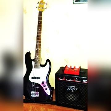 Gitara basowa, piecyk PEAVEY, procesor efektów