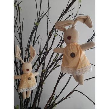 Trzy zawieszki bawełniane króliczki zajączki