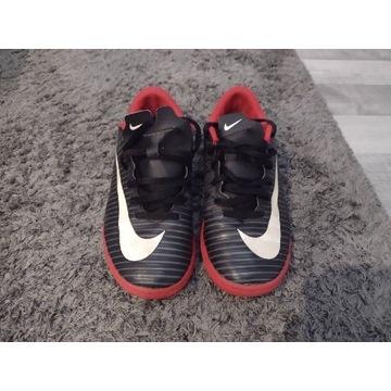 Buty męskie Nike rozm. 36,5 cm wkładka 23,5 cm