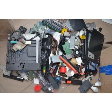 złom komputerowy, płyty główne, matryce, zasilacze