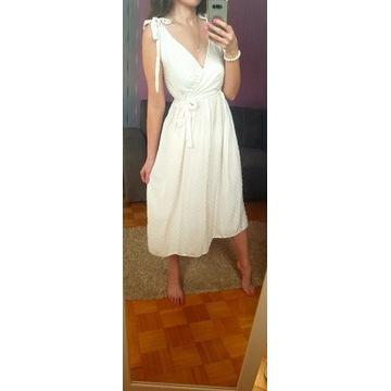 Piękna Biała sukieneczka