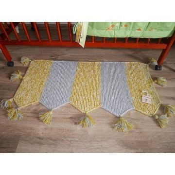 """Komfortowy dywanik """"Pszczółka""""."""