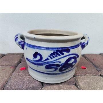 Ceramiczny garnek szary we wzory niebieskie, np. d
