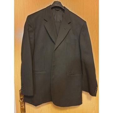 Elegancki garnitur w delikatne prążki