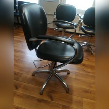 Fotel fryzjerski na pompie hydraulicznej