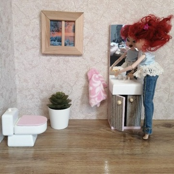 Łazienka dla lalek toaleta zlew z lustrem