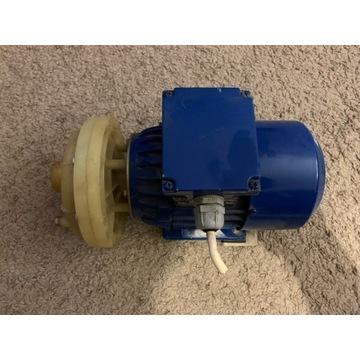 Pompa wody odśrodkowa z silnikiem 0,55 kW