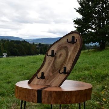 Drewniany wieszak na klucze, orzech włoski
