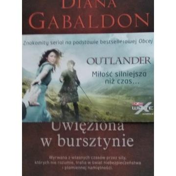 Diana Gabaldon Uwięziona w bursztynie