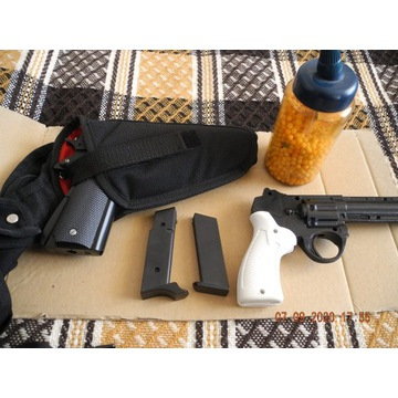 Pistolet na gaz kulki śrut automatic cal 45 kabura