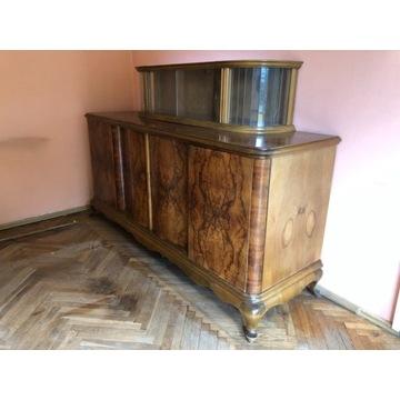 Kredens , stół i krzesła