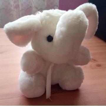 Zabawka maskotka słoń
