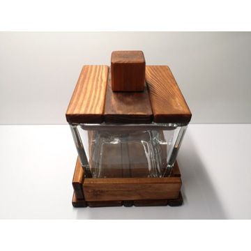 Szkatułka szklano-drewniana 500ml, solidna.