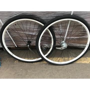 Koło koła rowerowe nowe 28 cali SRAM i3 3 biegi