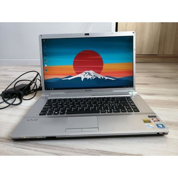 "Laptop SONY 16"" FULLHD 2x2,13GHz / 4GB  / ATI"
