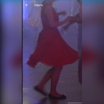 Sukienka czerwona szyfonowa Kartes zwiewna wesele