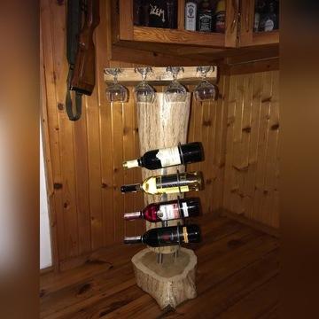 Stojak dębowy na wino