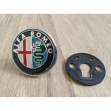 Alfa Romeo 159 znaczek logo emblemat tył