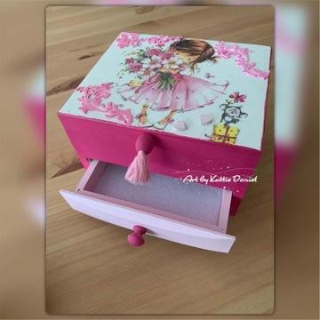 Toaletka drewniana dla dziewczynki