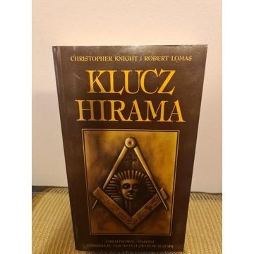 Klucz Hirama. Ch. Knight, R. Lomas