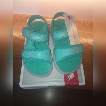 Sandały dziewczęce new balance nowe rozmiar 26