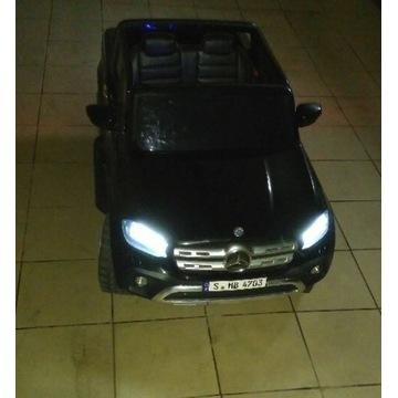 Mercedes pick-up