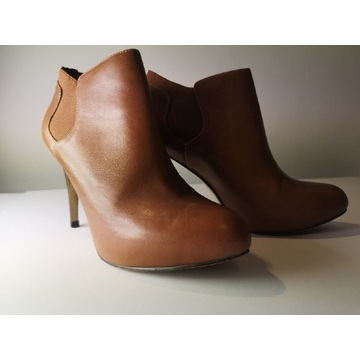 Sprzedam Damskie buty skórzane Guess r40